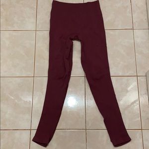 Lululemon burgundy ribbed waist leggings size 6